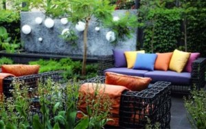 BeautifulGarden-Design-with-garden-furniture-415x260